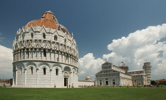 Picture of pisa leaning tower italy to advertise the Italian Course Southampton library