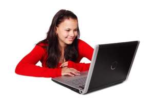 student learning a new language online