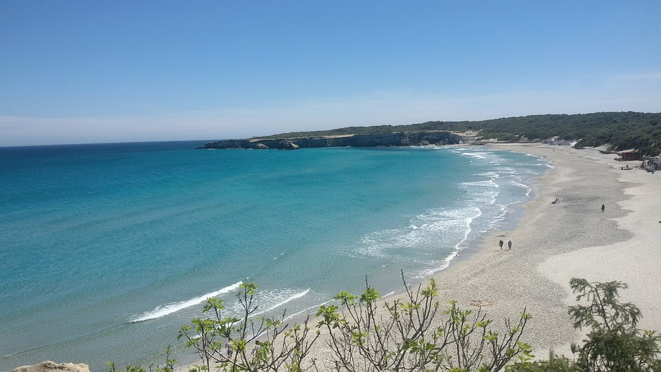 picture of one of the best beaches in italy puglia
